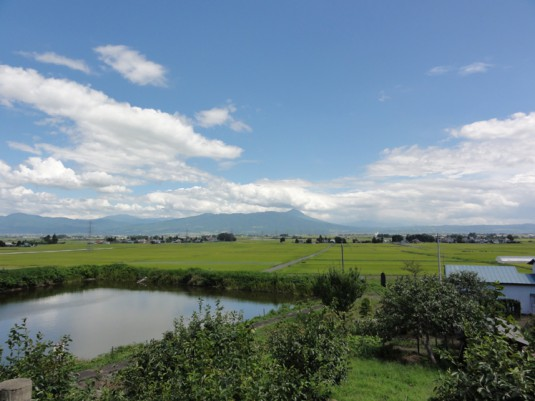 磐梯山を見る(旧五十嵐家住宅付近)