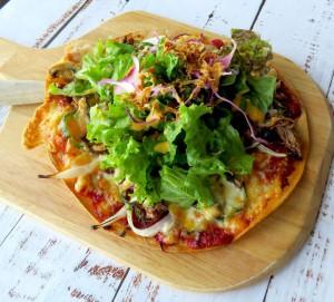コンビーフピザ